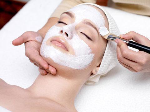kosmetische-gesichtsbehandlung